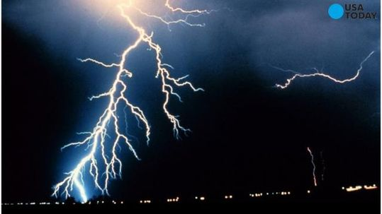 World record 199-mile-long lightning bolt