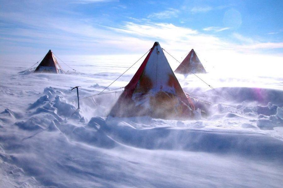 antartica bizzare camping
