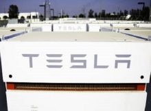 Tesla to install battery in canada