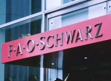 fao schwarz return stores expansion plans